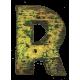 Houten letter R gemaakt van oude vissersbootjes