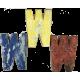 Houten letter W gemaakt van oude vissersbootjes