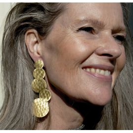 The brass earrings Nana